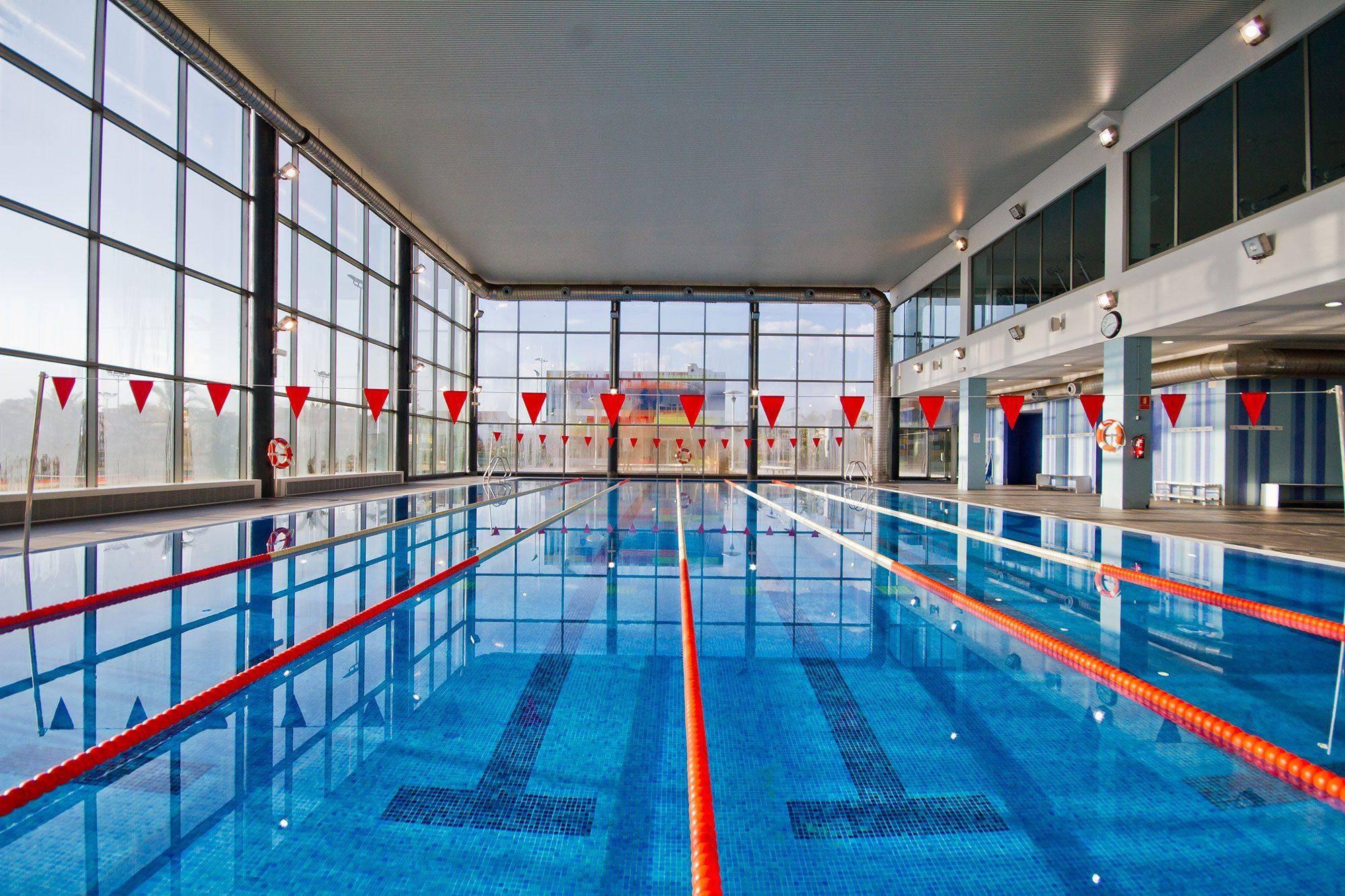 instalaciones_1_piscina_grande
